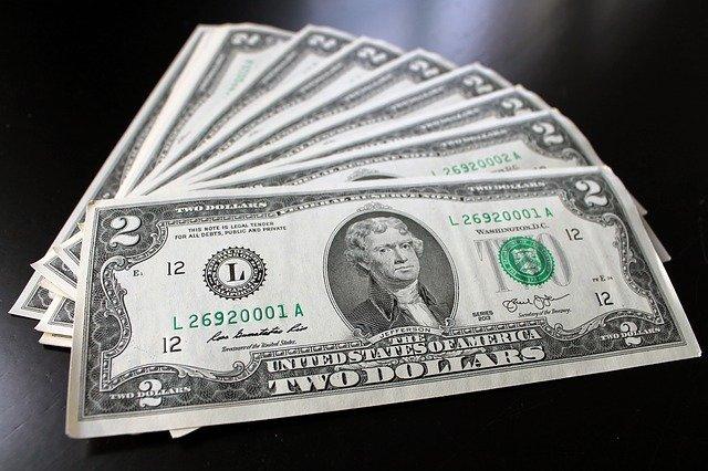 peníze na prkno