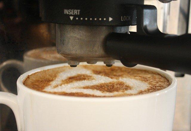 Vyplatí se nákup kávovaru na kapsle?