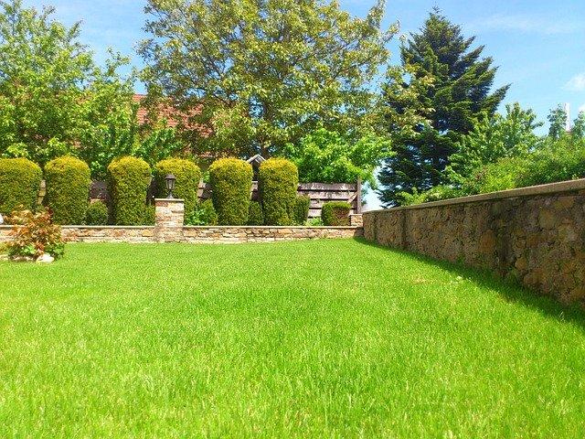 zahradní zeď